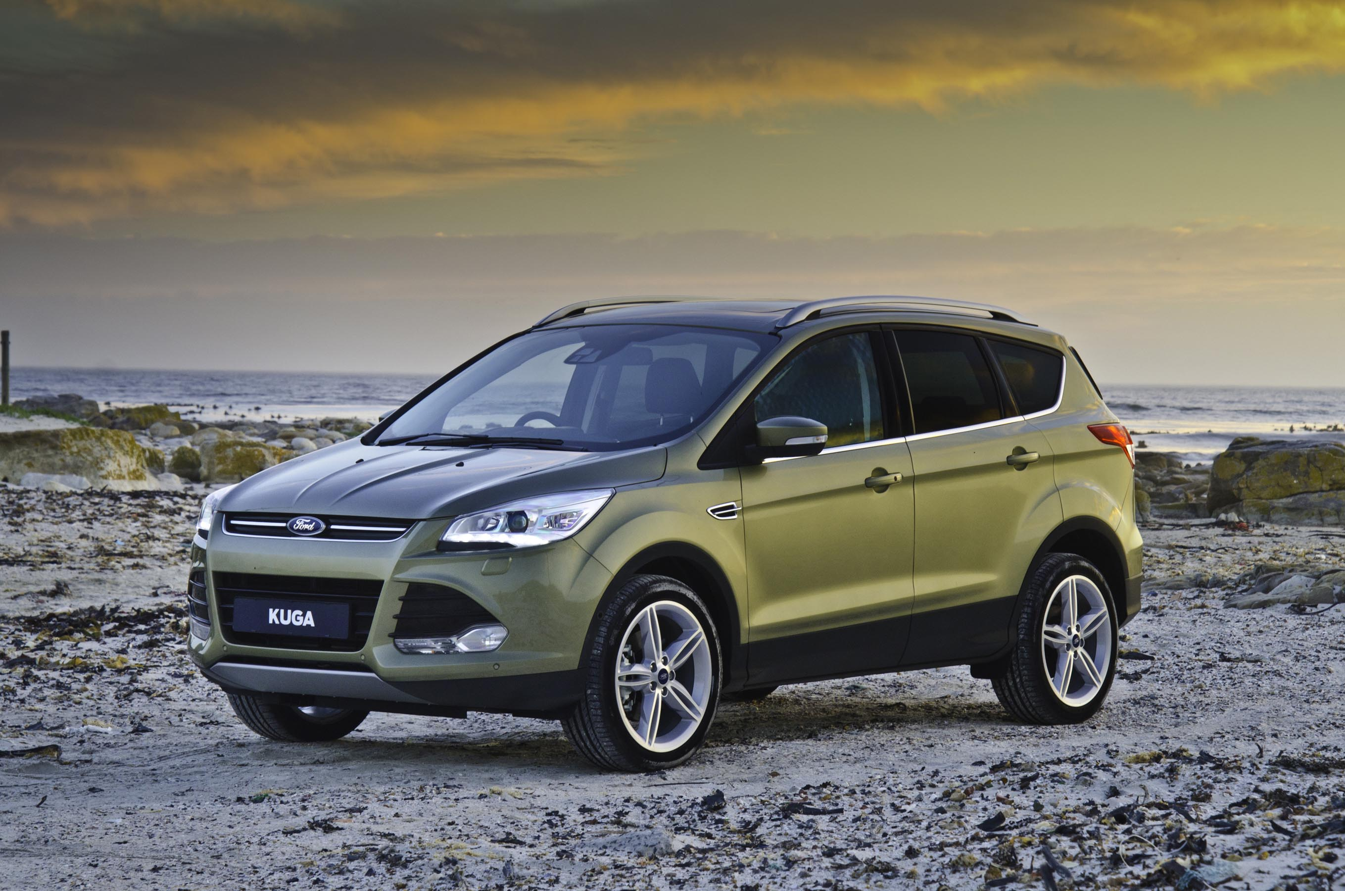 the new ford kuga voted the safest smallest off road 4x4 fashionjazz. Black Bedroom Furniture Sets. Home Design Ideas