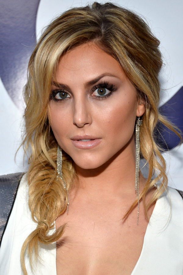 Cassie-Scerbo-Peoples-Choice-Awards-2014