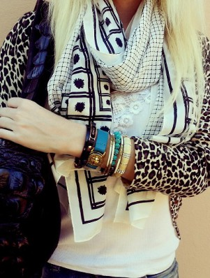 black and white trenery scarf 2