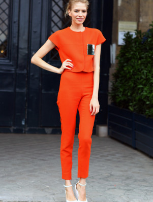 street-style-crush-elena-perminova-orange-suit-peeper