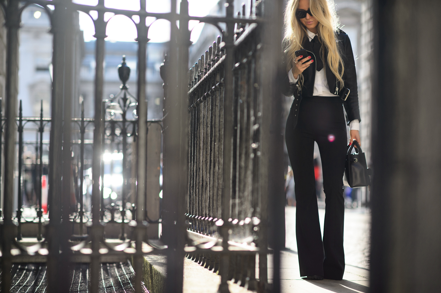 london-spring-2015-street-style-day-1-19-w-mag3