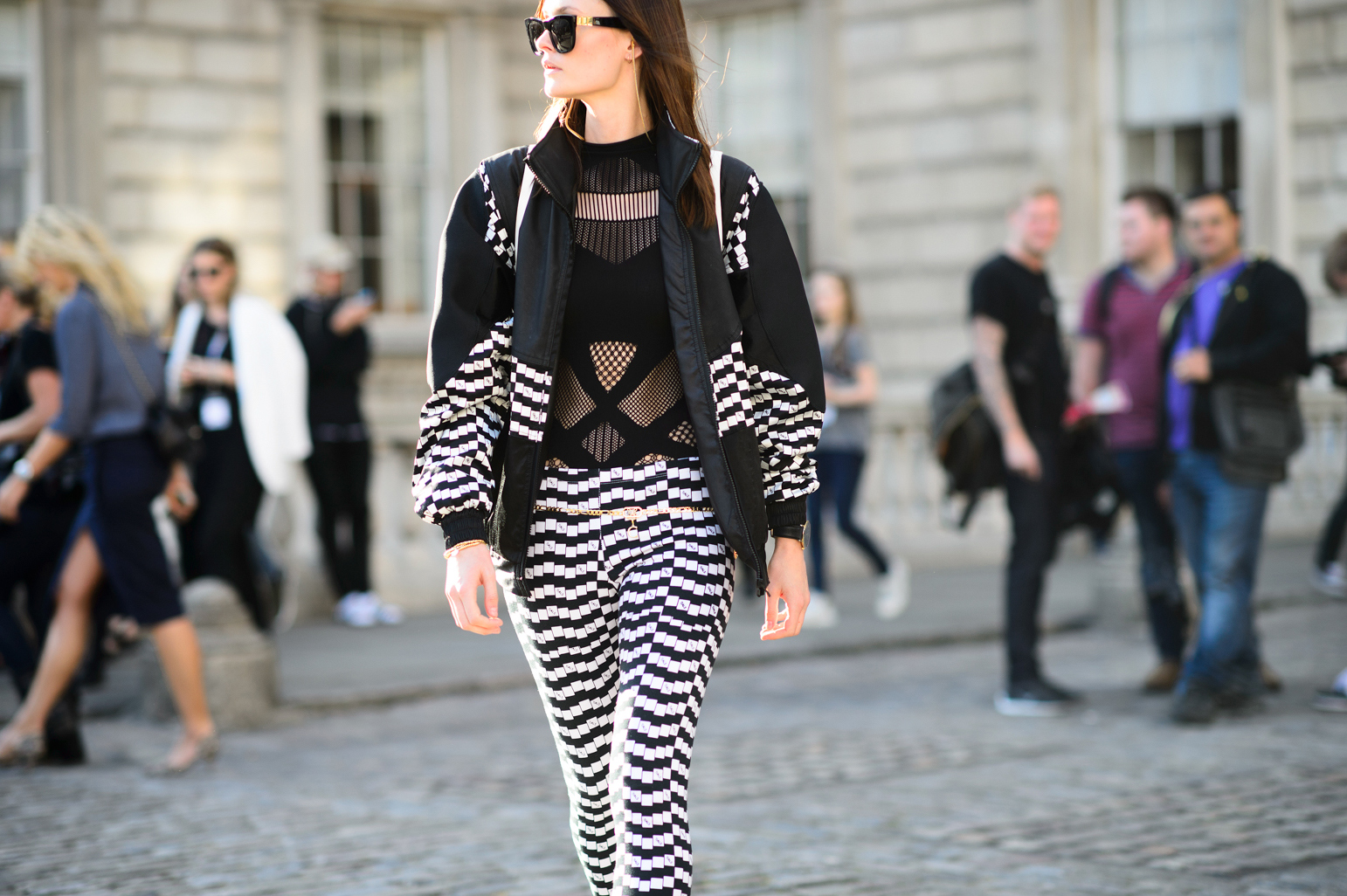 london-spring-2015-street-style-day-1-8-w-mag5
