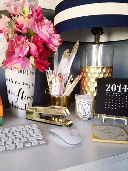 dressing-up-your-desk