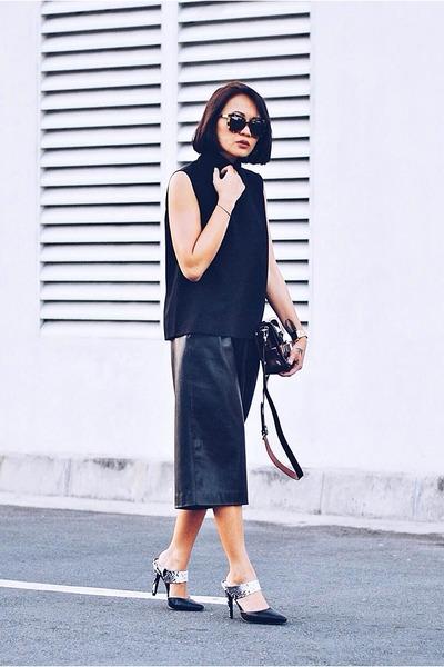 black-mules-shoes-maroon-ps11-tiny-proenza-schouler-bag-black-high-neck-top_400