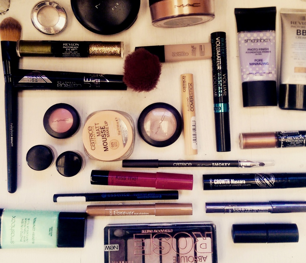 fashiionjazz-make_up_essentials_1