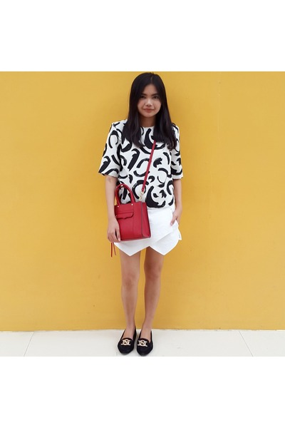 brick-red-mini-mab-rebecca-minkoff-bag-white-origami-skort-zara-skirt_400
