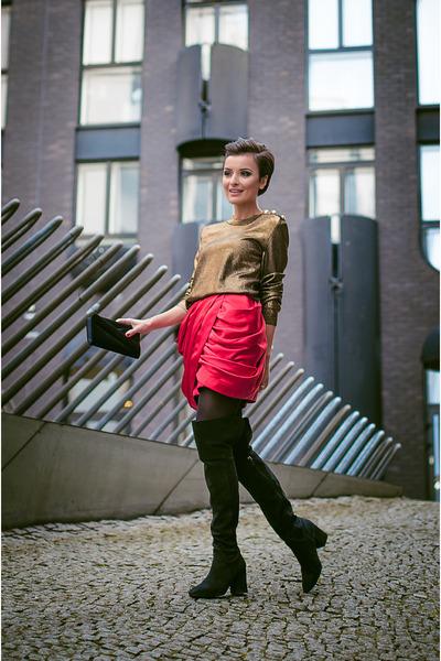 black-over-knee-boots-zara-boots-gold-balmain-x-h-m-top_400