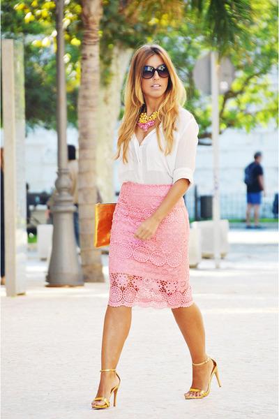 white-mango-shirt-gold-zara-heels-bubble-gum-diy-skirt_400
