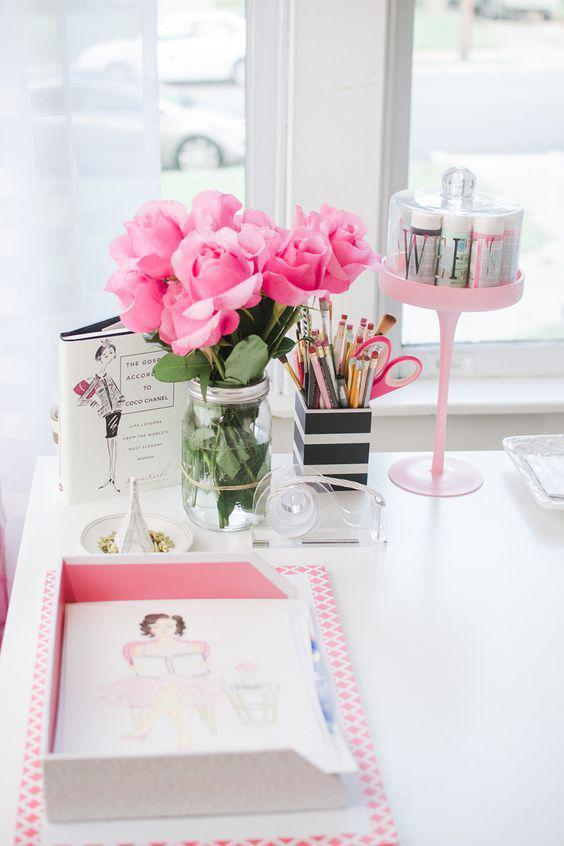 HOME OFFICE DECOR CHIC TIPS